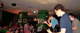 Descarga 27/05/10. Acústico de Delirium Tremens como ganadores del I Concurso de Canciones Aragón Musical Radio desde el Drinks&Pool de Avd. Conde Aranda de Zaragoza . Edición Nº155.