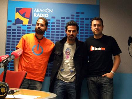Daviz Debaro (en el medio), en Aragón Suena